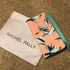 💕Adorable Rachel Pally Clutch💕